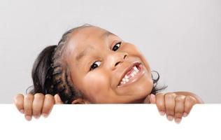 süßes Kind mit Kopierraum foto