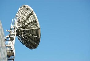 Satellitenschüssel mit Platz zum Kopieren foto