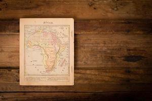 1867, alte Farbkarte von Afrika, mit Kopierraum foto