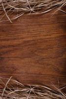 leeres rustikales Vintage-Schneidebrett aus Holz, Kopierraum für Text foto