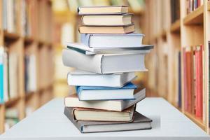 Bücher, Bücher isoliert, Bildung foto