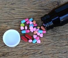 verschiedene Pillen für die Gesundheitsversorgung foto