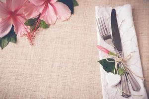 Valentinstag Tabelleneinstellung Kopierraum Hintergrund, selektiver Fokus, foto