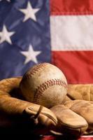 Vintage Baseball und Handschuh foto