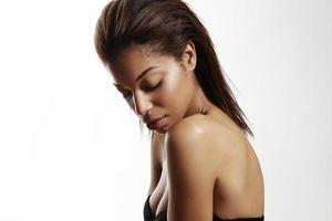 schwarze Frau mit idealer Haut foto