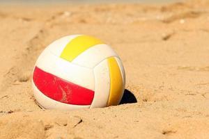 Volleyball im Sand foto
