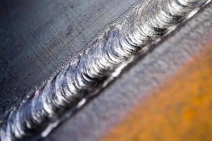 Stahlschweißnaht hautnah