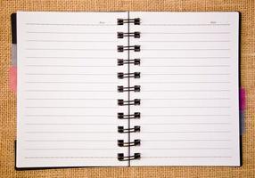 Tagebuchringbinder öffnen