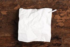 Winkle riss Papier von der Notizbuchseite ab
