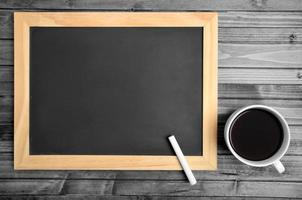 leere Tafel mit Kaffee foto