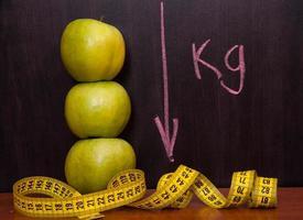 Äpfel an der Tafel. foto
