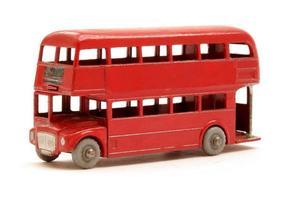 rotes Busmodell foto