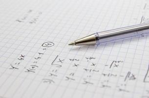 Mathe Hausaufgaben machen foto