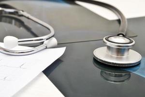 Stethoskop und Röntgen foto