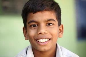 indischer jugendlich Junge foto