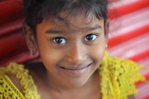süßes indisches jugendlich Mädchen foto