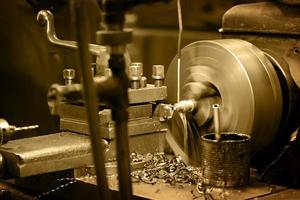Drehmaschine in der Werkstatt foto