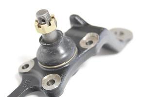 Spurstangenkopf. Teil der Fahrzeugfederung. foto