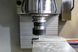 Drehmaschine, CNC-Fräsmaschine foto