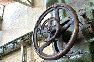 Detail einer alten Drehmaschine foto