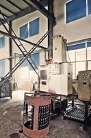 Innenraum des modernen Arbeitsplatzes foto
