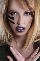 militärische Modefrau foto