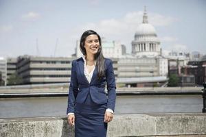 schöne indische Geschäftsfrau foto