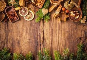 Gewürze für Weihnachtskuchen