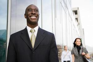 Geschäftsmann lächelnd foto