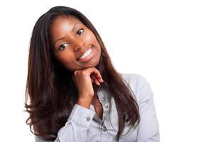 schwarze Geschäftsfrau isoliert auf weiß foto