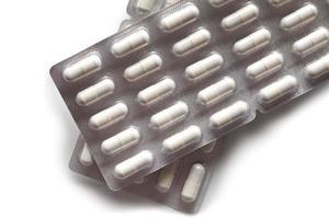 Medikamente - weiße Kapseln foto