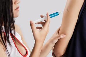Injektion in den Arm