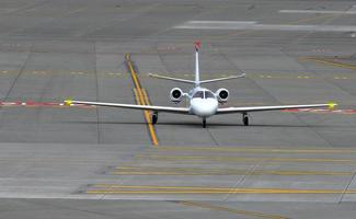small_business_jet_airplane_air_travel foto