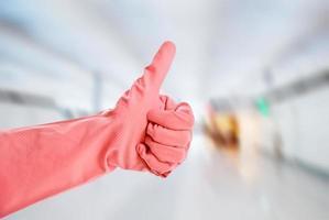 Latexhandschuh zeigt OK-Zeichen foto