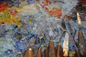 Malerpalette in seiner Werkstatt foto