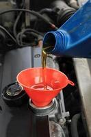 Öl nachfüllen foto