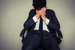 trauriger und müder Geschäftsmann foto