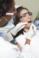 Zahnarzt und Patient foto