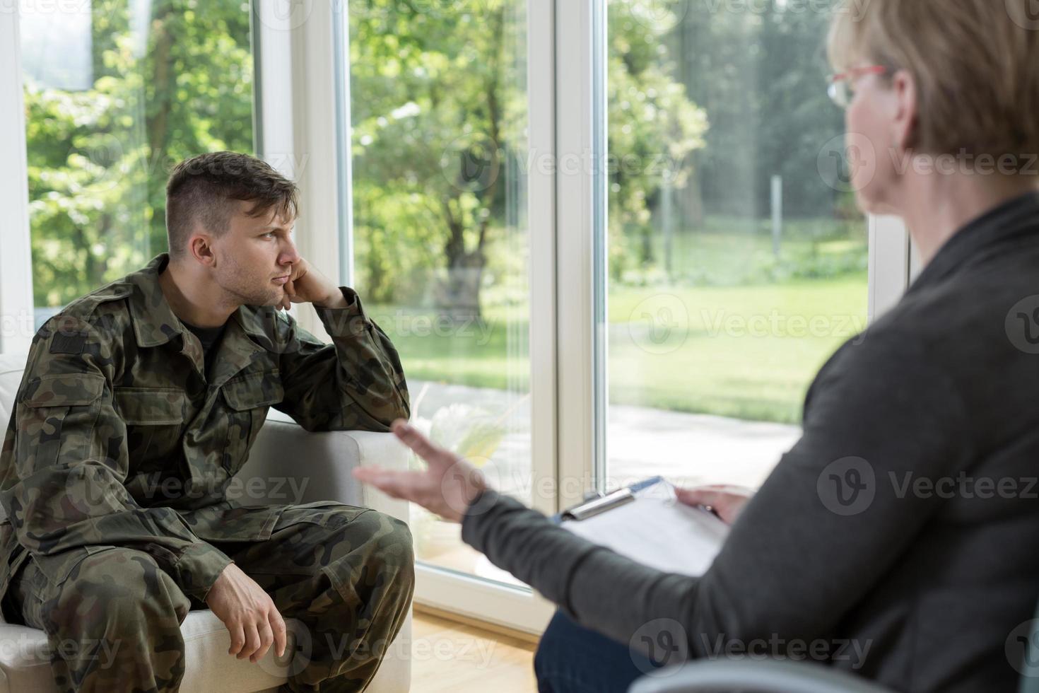 förtvivlan militär man foto