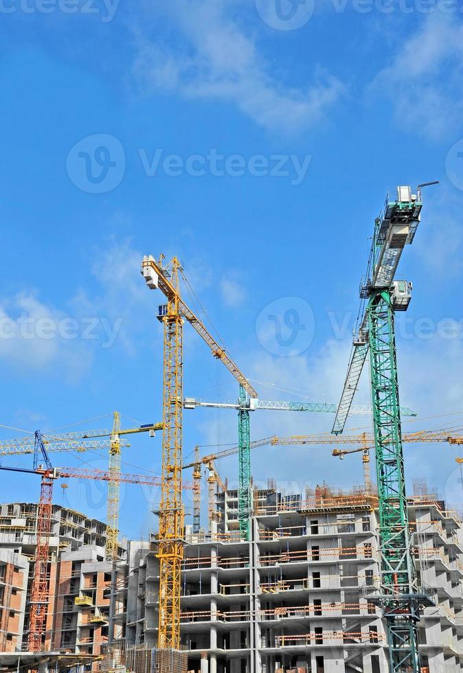 kran och byggarbetsplats foto