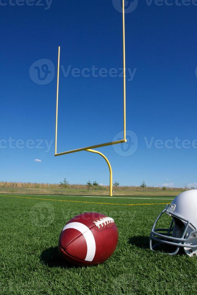 amerikansk fotboll med målstolpar foto