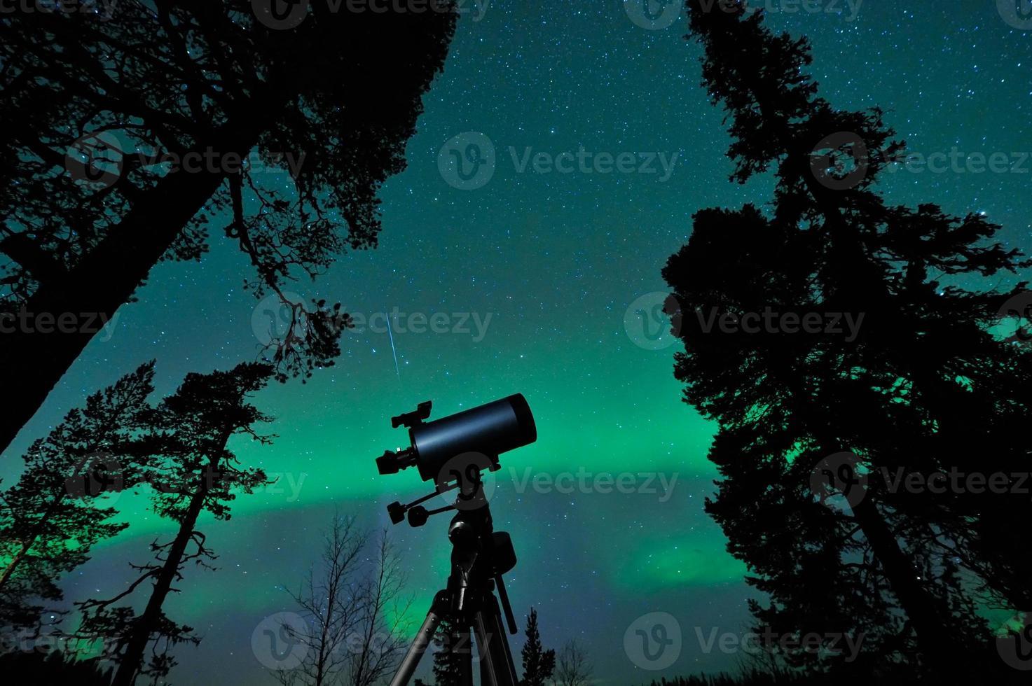 teleskop och himmel foto