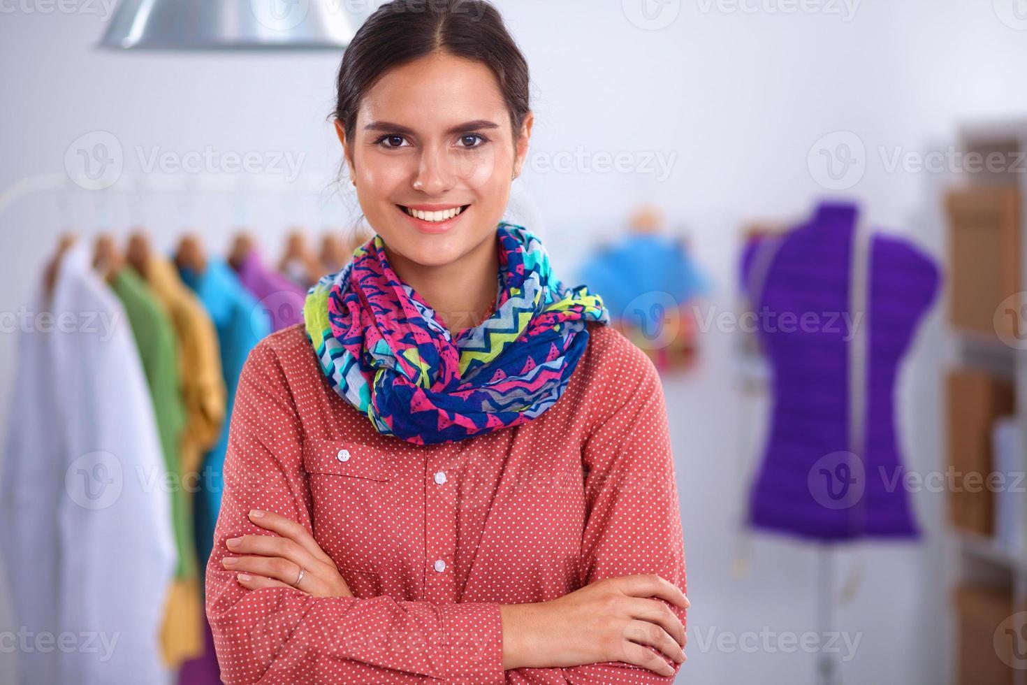 kläddesigner på jobbet foto
