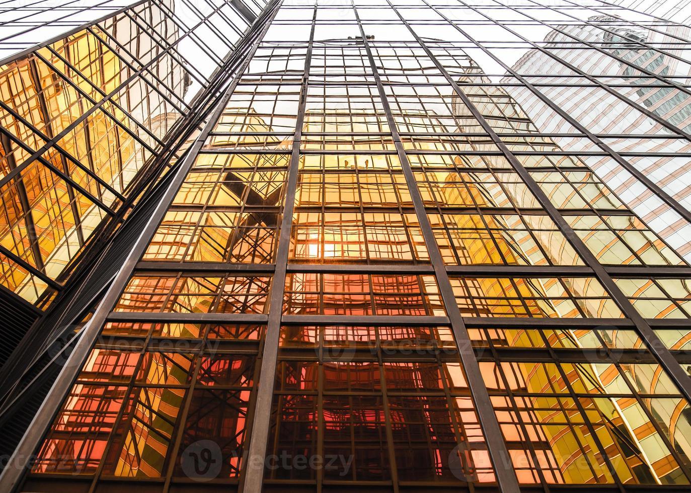 gyllene kommersiell byggnad foto