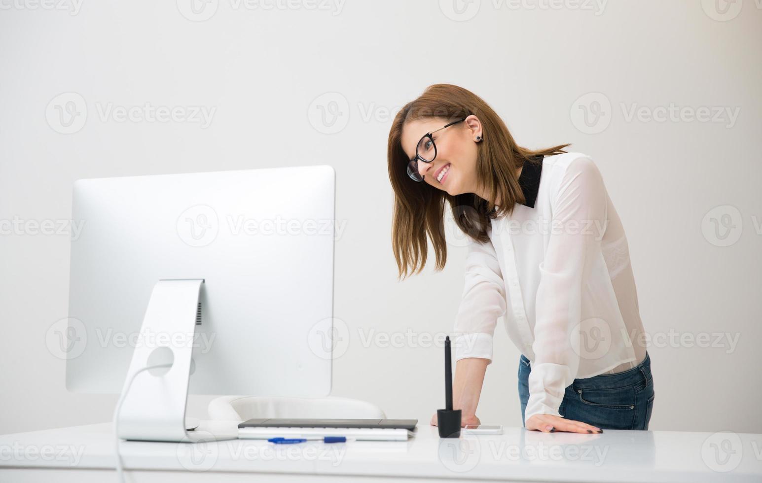 porträtt av en affärskvinna foto