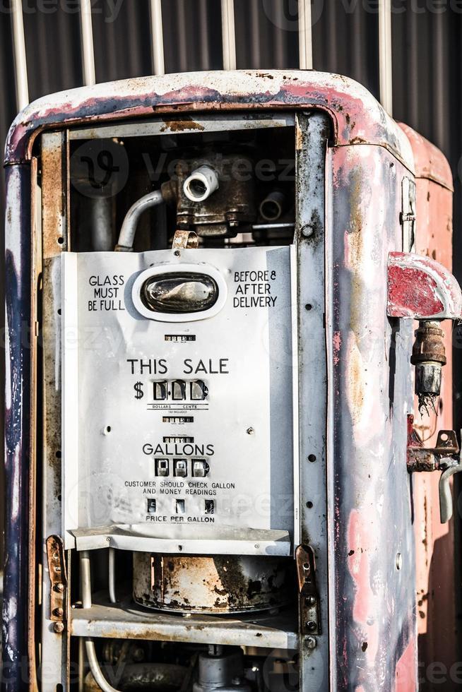 gammal bensintank foto