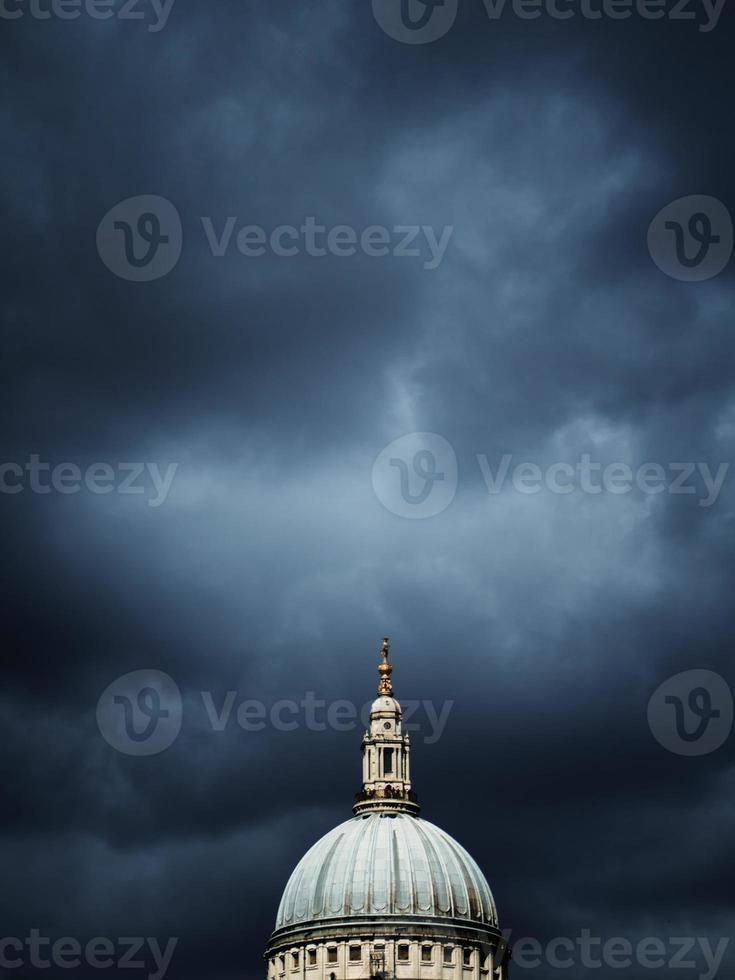 stormbryggning över st. Pauls kupol foto