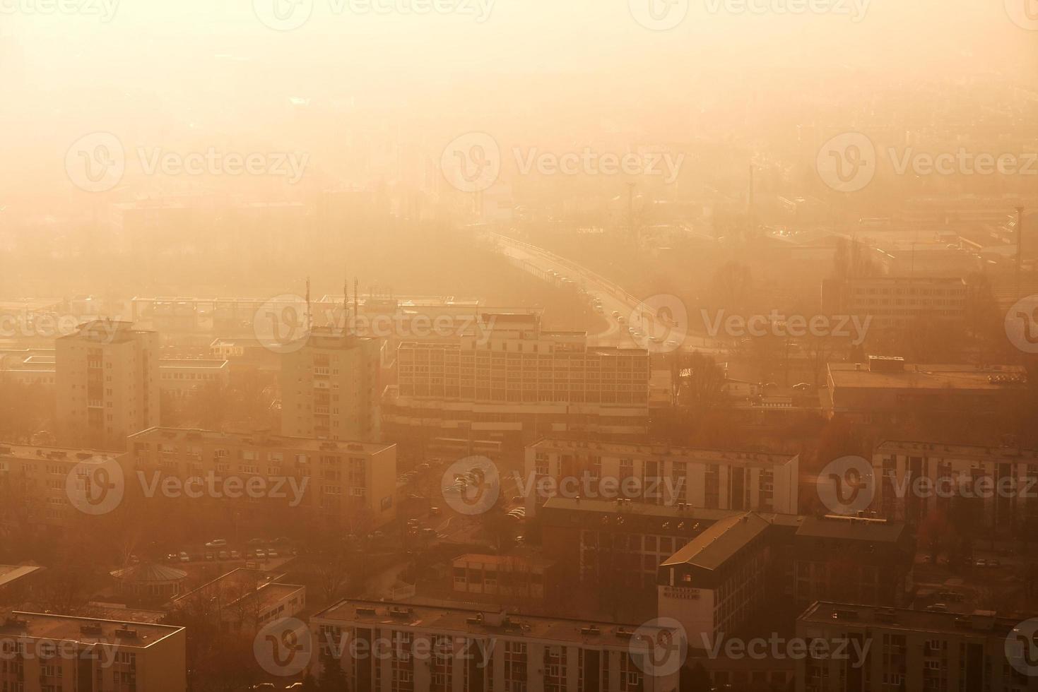 stad i smog foto