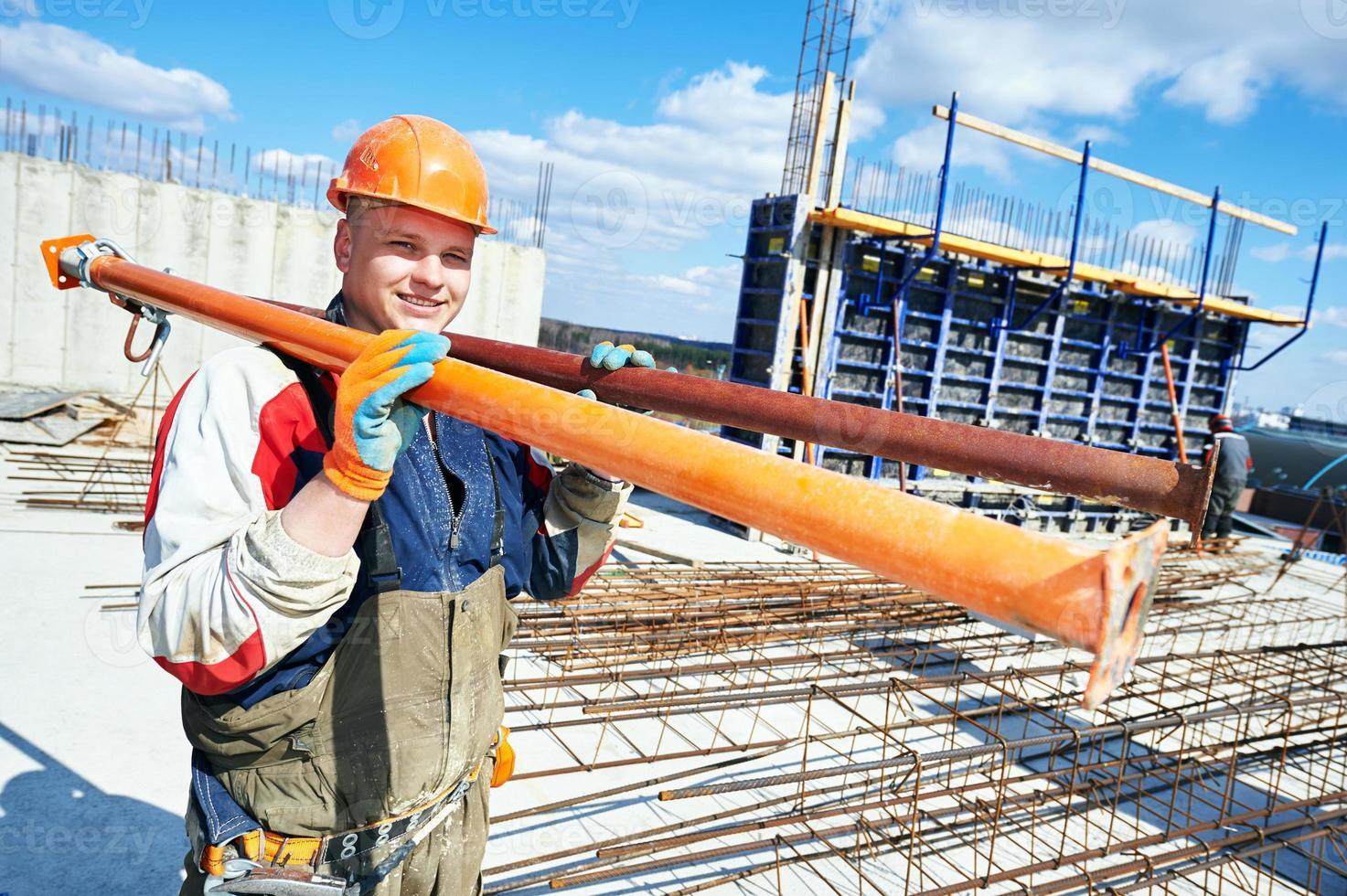 byggnadsarbetare på byggarbetsplatsen foto