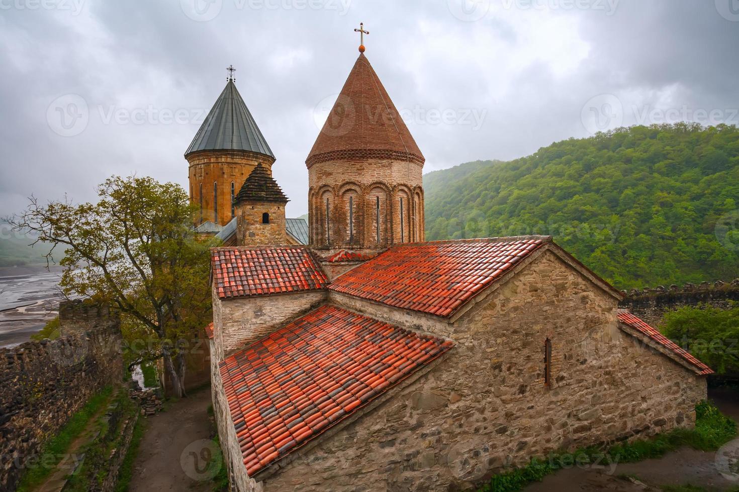 fästningens landskap med kyrkan foto